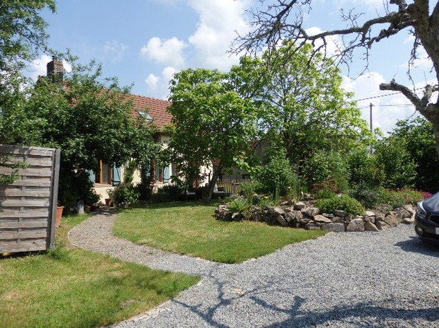 A Top Quality Renovation for this Hamlet Property with Beautiful Garden. 9733