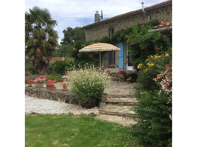 Wow! Rural Farmhouse with Breath Taking Views and Above Ground Pool near Availles Limouzine 9786