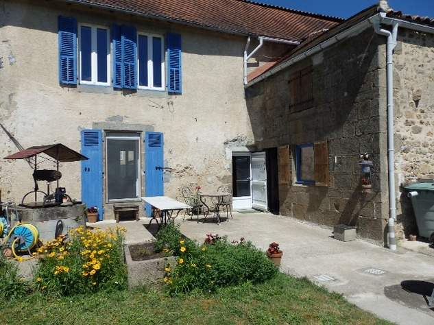 Village House with Beautiful Valley Views and Gîte Potential 9896