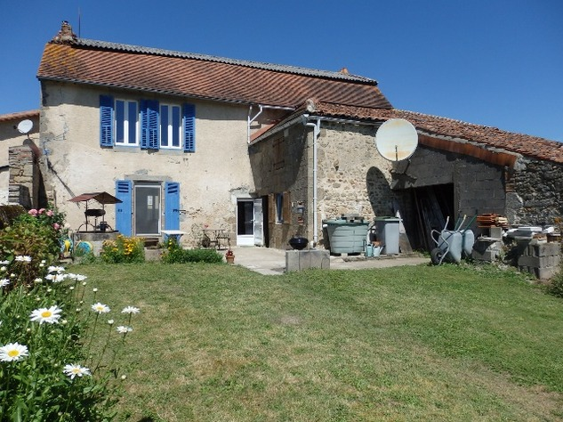 Village House with Beautiful Valley Views and Gîte Potential 9897