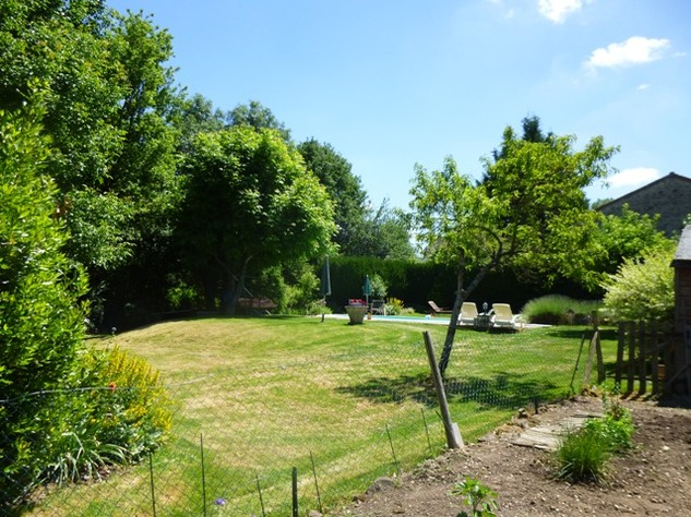 Detached Hamlet House with Very Private Garden and Swimming Pool 9987