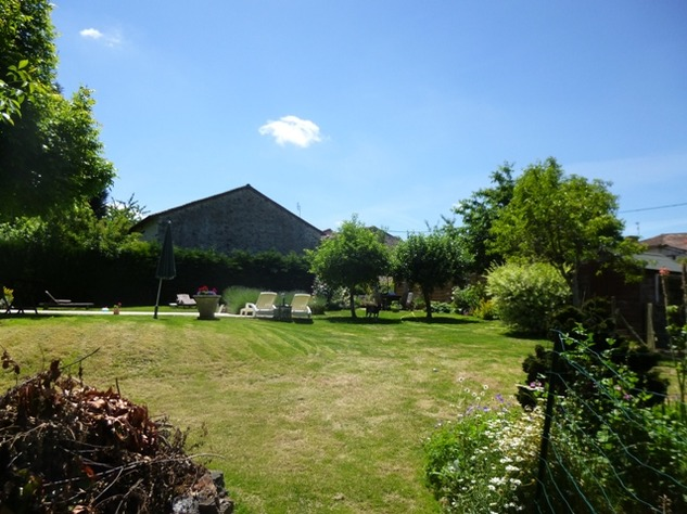 Detached Hamlet House with Very Private Garden and Swimming Pool 9988