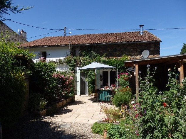 Detached Hamlet House with Very Private Garden and Swimming Pool 9991