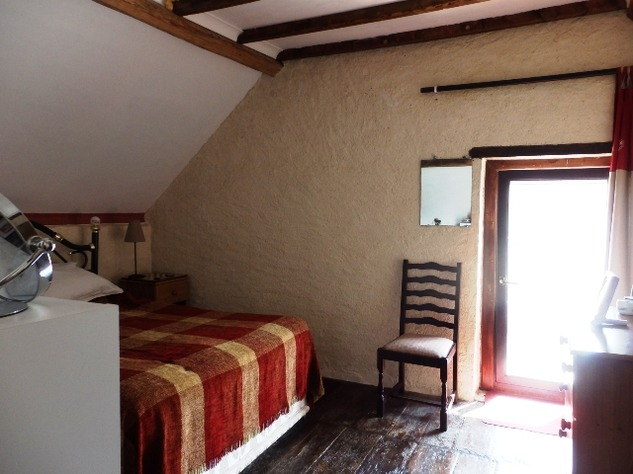 2 Bedroom Village House with Gardens, Guest Chalet and Above Ground Pool 10085