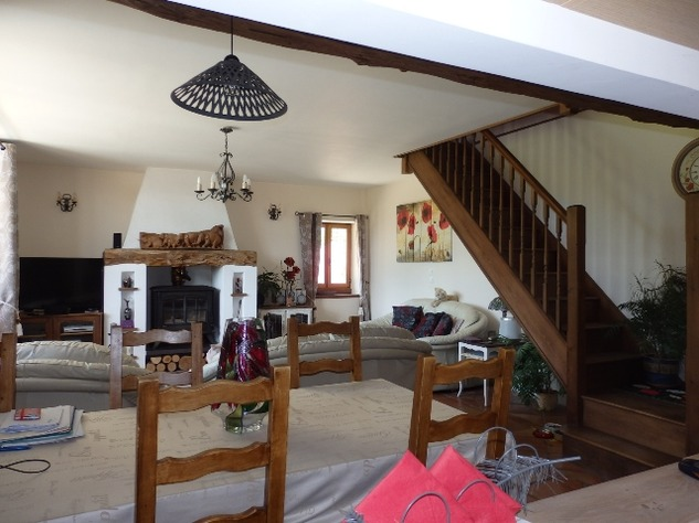 Perfectly Formed 2/3 Bedroom Barn Conversion with Garden 10097