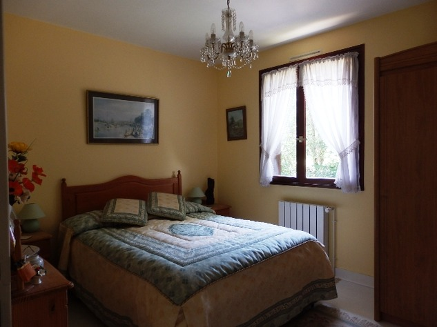 3/4 Bedroom Sous-Sol with Good Sized Garden on the outskirts of a Village with Commerce 10218