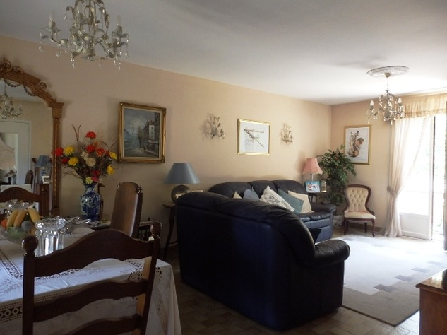 3/4 Bedroom Sous-Sol with Good Sized Garden on the outskirts of a Village with Commerce 10209