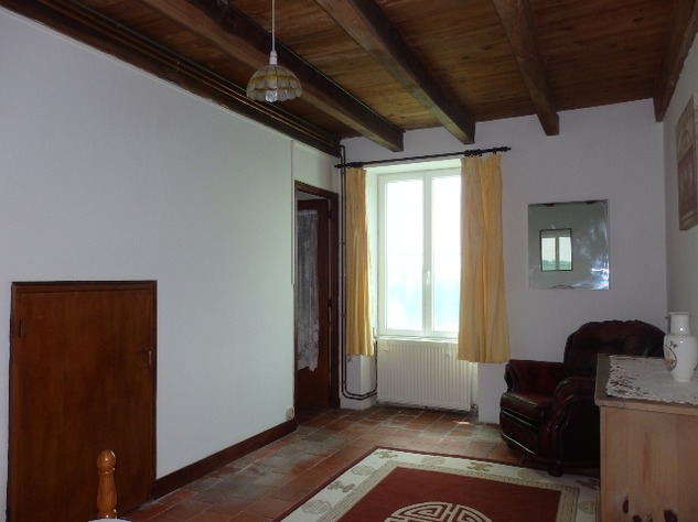 Great House in a Small Hamlet Close to L'Isle Jourdain 10300