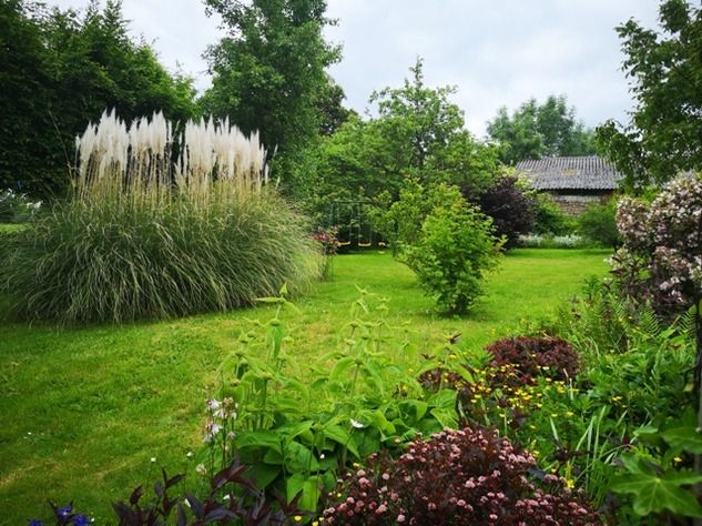 Renovated Farmhouse with Barn and Brilliant Yurt Accommodation in the Gardens 10381