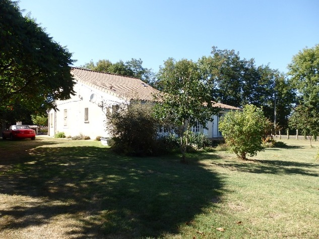 Excellent 3 Bedroom Former Railway Cottage with Atelier and Attached Gardens 10680