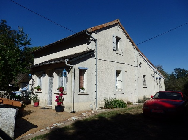 Excellent 3 Bedroom Former Railway Cottage with Atelier and Attached Gardens 10662