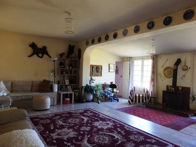 Excellent 3 Bedroom Former Railway Cottage with Atelier and Attached Gardens 10668