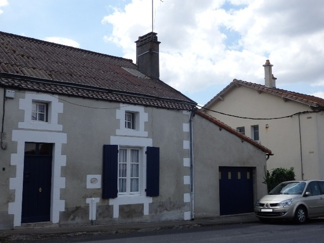 2 Bedroom Village House with Garage and Lovely Attached Gardens 10735