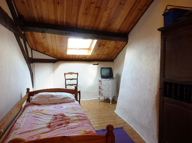 5 Bedroom Equestrian/Small Holding Property - Excellent Price 11205