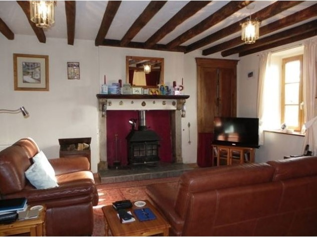 Well Renovated House in a Pleasant Hamlet – Barn/Workshop/Swimming Pool. 11395