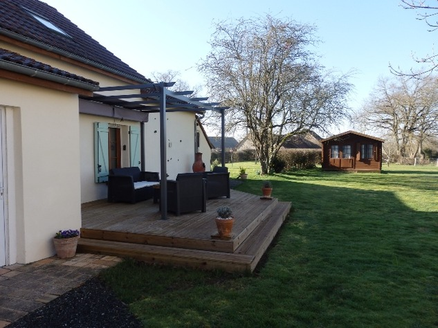 Well Renovated House in a Pleasant Hamlet – Barn/Workshop/Swimming Pool. 11408