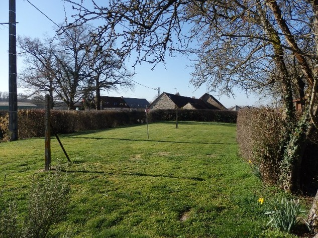 Well Renovated House in a Pleasant Hamlet – Barn/Workshop/Swimming Pool. 11414