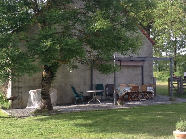 Well Renovated House in a Pleasant Hamlet – Barn/Workshop/Swimming Pool. 11388