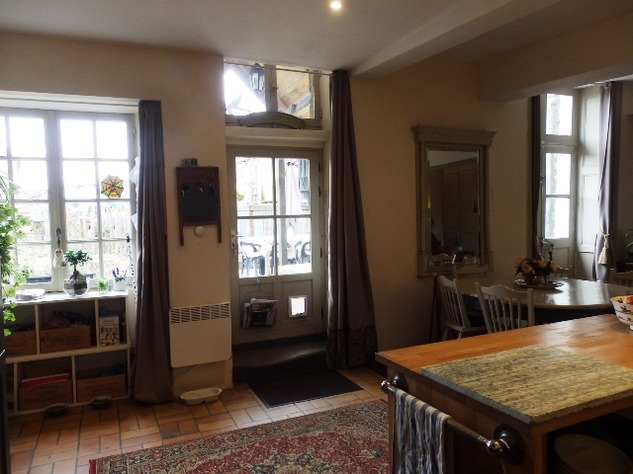 Exceptional Town House Lovingly Restored with Attention to Detail 11299