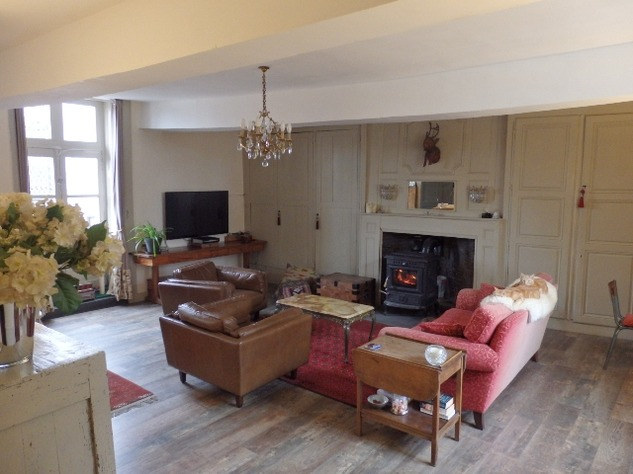 Exceptional Town House Lovingly Restored with Attention to Detail 11290