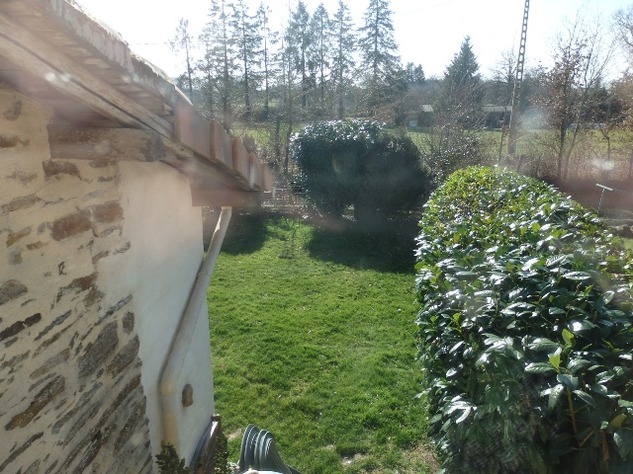 Charming, 2 Bedroom Charente Cottage with Attached Garden and Outbuildings 11445