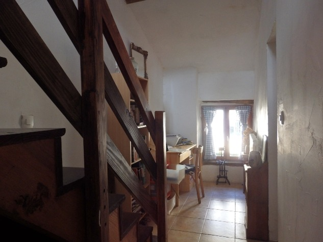 Charming, 2 Bedroom Charente Cottage with Attached Garden and Outbuildings 11450