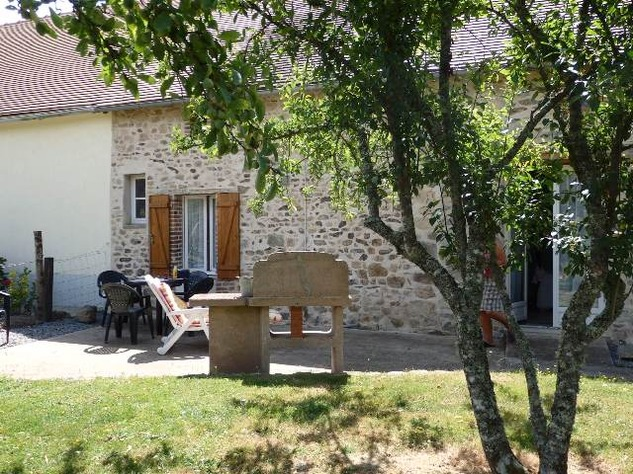 Exceptional 5 Bed House, with 2 Bed Gite, In ground Pool and Land 11700