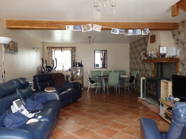 Exceptional 5 Bed House, with 2 Bed Gite, In ground Pool and Land 11710