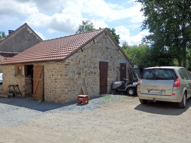 Exceptional 5 Bed House, with 2 Bed Gite, In ground Pool and Land 11692