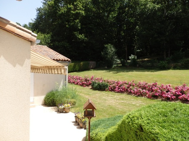 Exceptional Home with Guest Annexe and Pool in Civray-Vienne 12455
