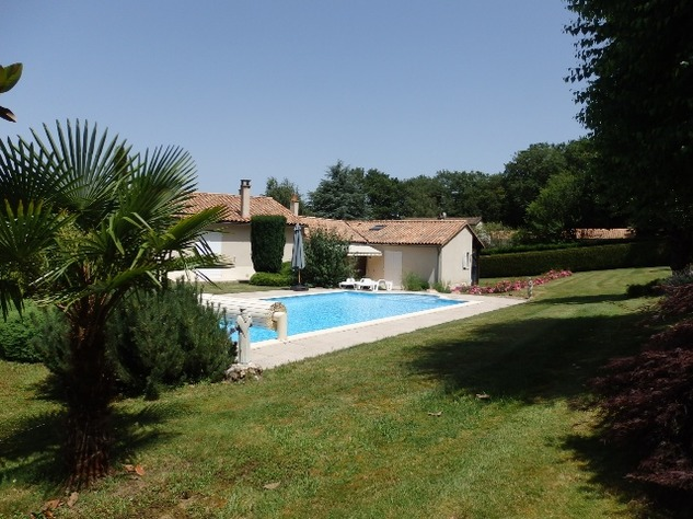 Exceptional Home with Guest Annexe and Pool in Civray-Vienne 12456