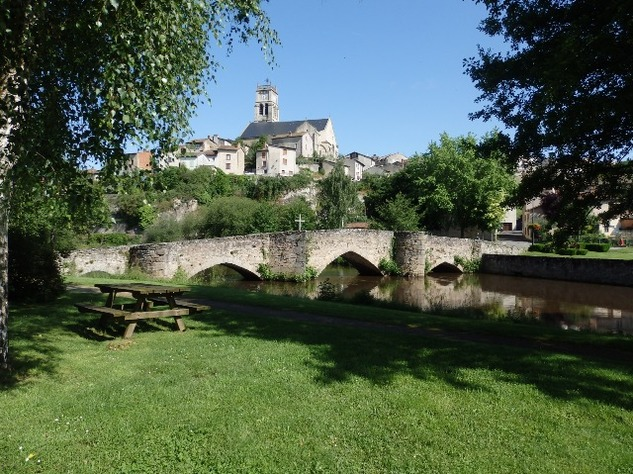 Perfect House in Bellac's Beautiful Park on the River - Haute Vienne 12328
