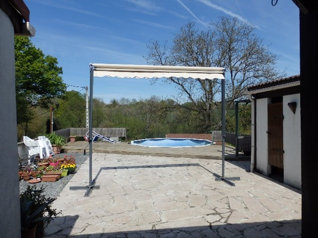 House with a View! Above Ground Pool - Edge of Village - Haute Vienne 12330