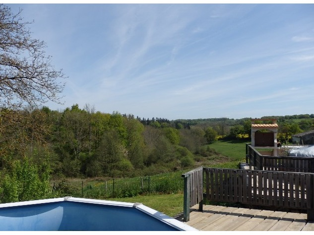 House with a View! Above Ground Pool - Edge of Village - Haute Vienne 12331