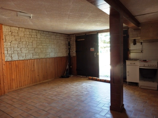 House with Beautiful Views in Availles-Limouzine - Vienne 12810