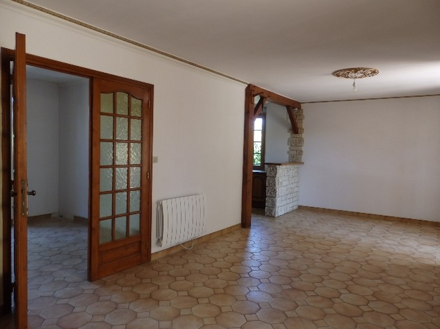 House with Beautiful Views in Availles-Limouzine - Vienne 12796