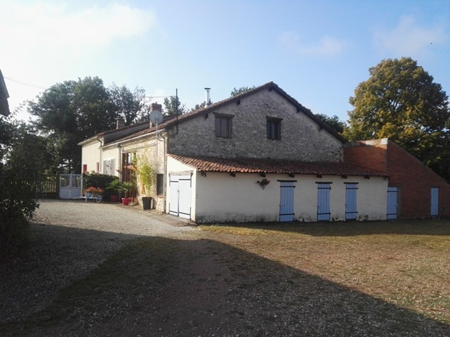 Reduced - 8 Bedroom Chambre D'hôtes/B & B near Millac in the Vienne 12949