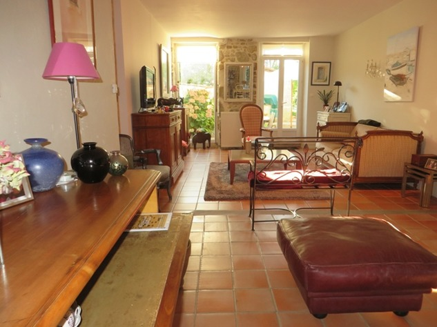 Family Home with Barn and Land in Thiat in the Haute Vienne 13006