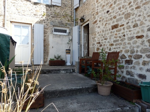 Perfect 3 Bedroom Stone House in Brigueuil in the Charente 13216