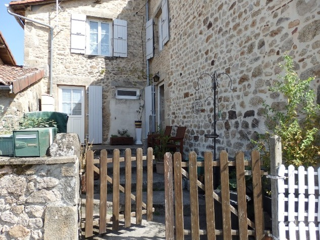 Perfect 3 Bedroom Stone House in Brigueuil in the Charente 13217
