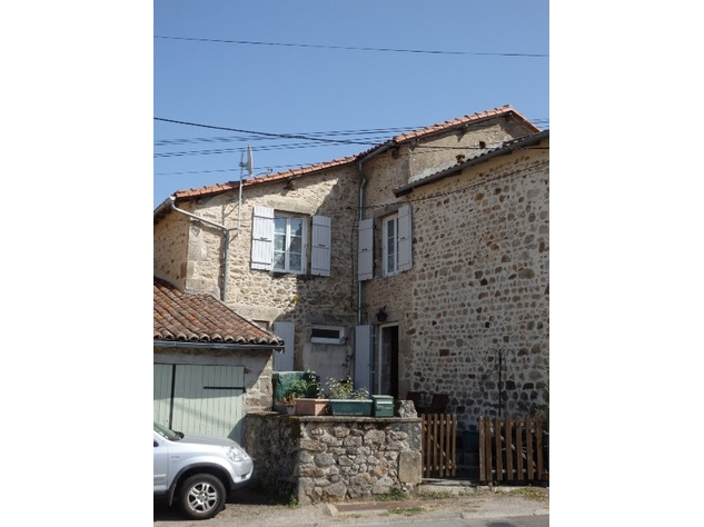 Perfect 3 Bedroom Stone House in Brigueuil in the Charente 13203