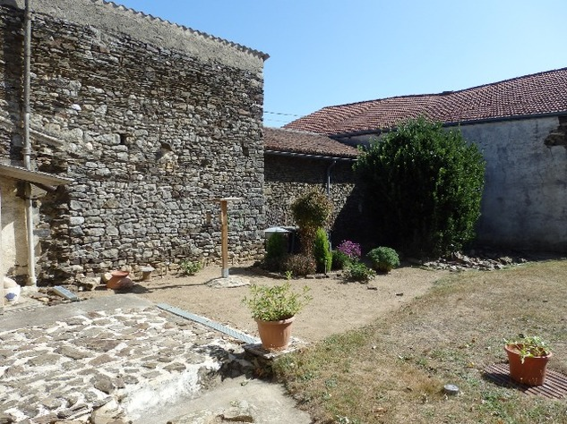Excellent Farmhouse Close to Bussière-Poitevine in the Haute Vienne 13189