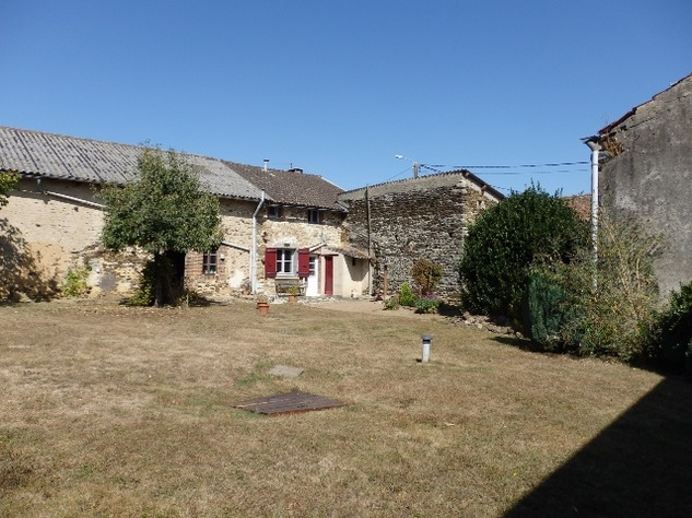 Excellent Farmhouse Close to Bussière-Poitevine in the Haute Vienne 13175
