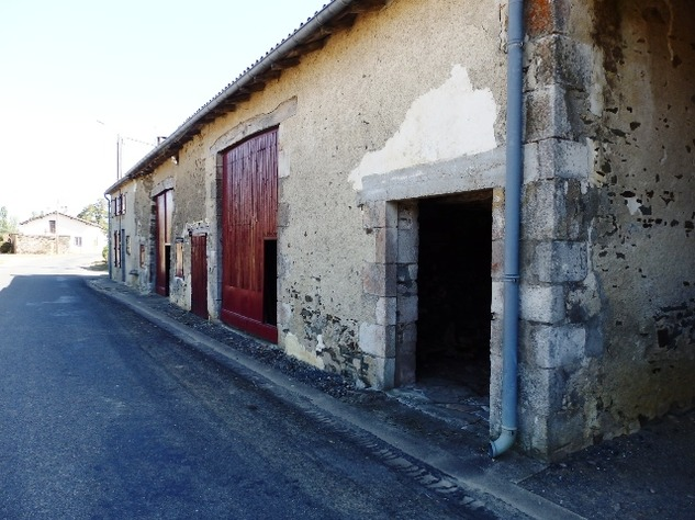 Excellent Farmhouse Close to Bussière-Poitevine in the Haute Vienne 13198