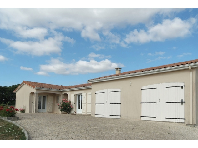 Immaculate Retreat on 1Ha of Land Near Charroux in the Vienne 14151