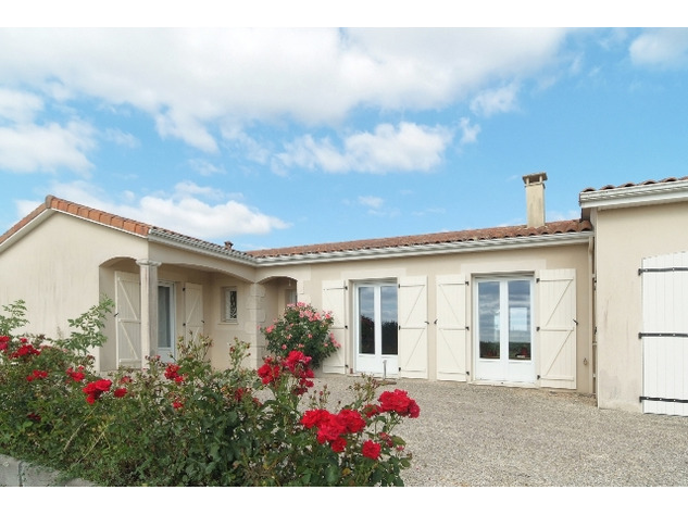 Immaculate Retreat on 1Ha of Land Near Charroux in the Vienne 14138