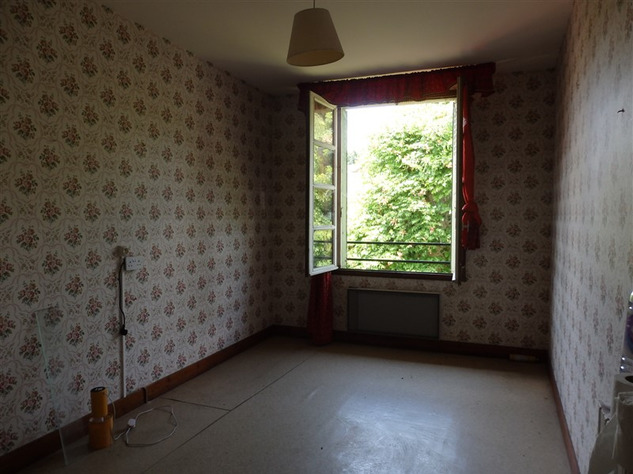 House to Renovate near Bellac in the Haute Vienne 14524