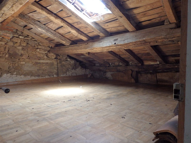 House to Renovate near Bellac in the Haute Vienne 14526