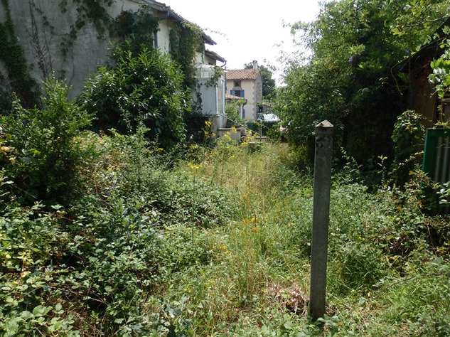 House to Renovate near Bellac in the Haute Vienne 14530