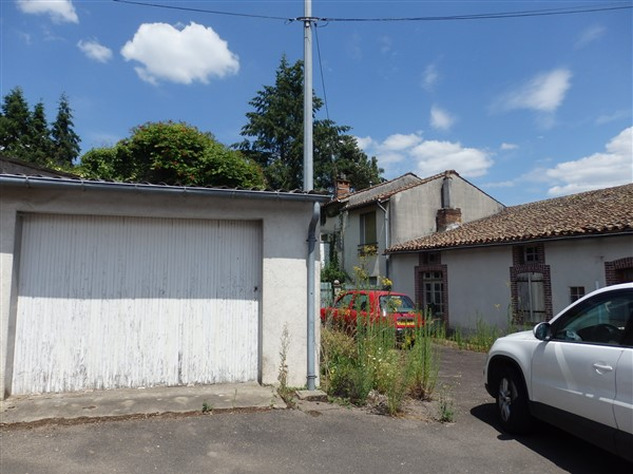 House to Renovate near Bellac in the Haute Vienne 14537